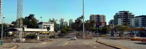 Knuckey St end of Darwin Mall