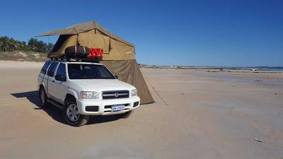 & 2003 Nissan Pathfinder 4x4 + Rooftop tent and camping gear - $6.900