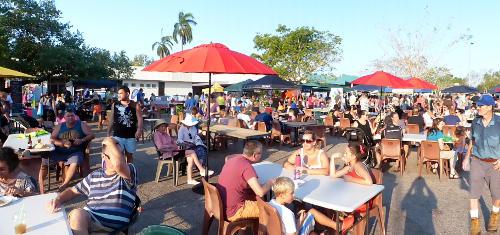 evening markets at Malak