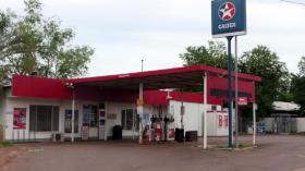 Berry Springs Store