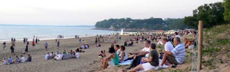 Marget goers enjoy Mindil Beach